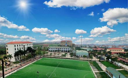 Khuôn viên trường Cao đẳng Công nghệ và Thương mại Hà Nội