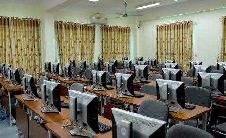 Thư viện điện tử là nơi học tập và nghiên cứu cho sinh viên