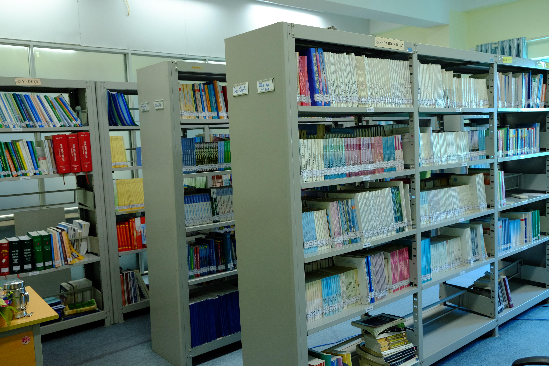 1 góc thư viện sách