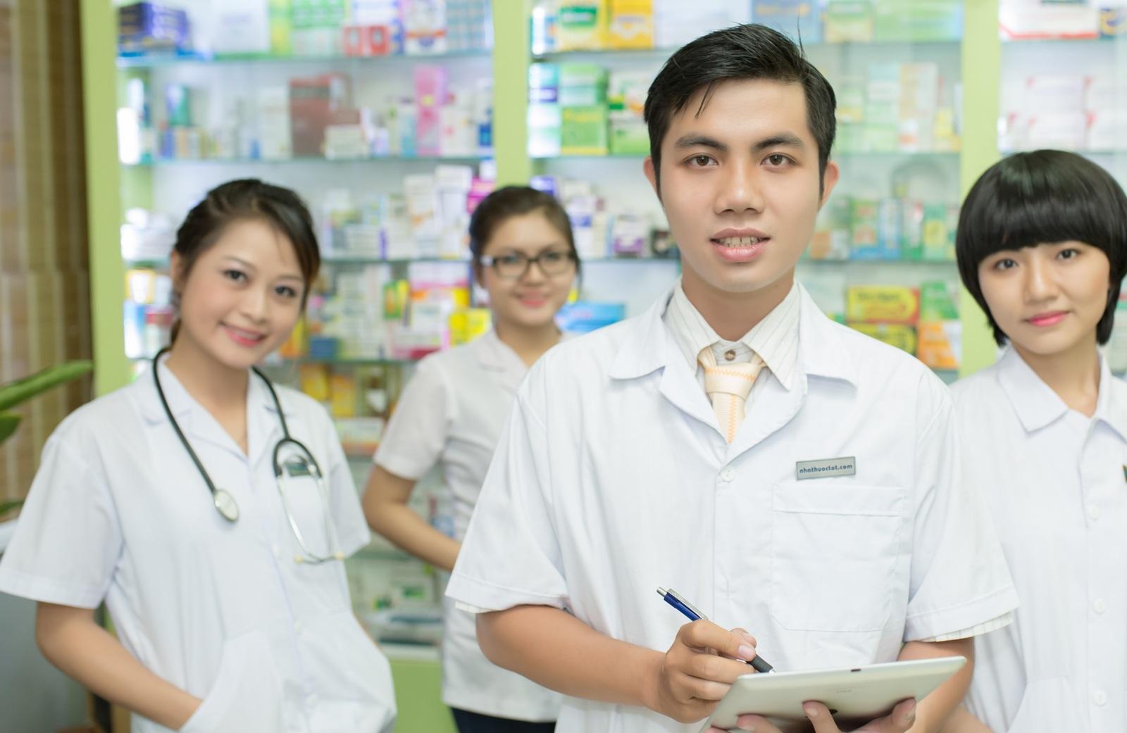 Học ngành dược ở đâu là phù hợp ?