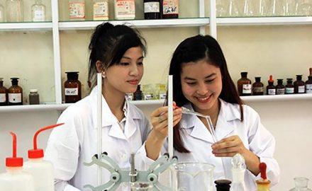 Nên học dược hay điều dưỡng cho năm 2020?