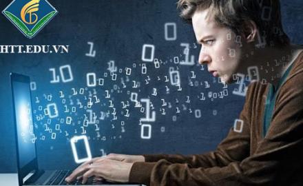Ngành Công nghệ thông tin xét tuyển những tổ hợp môn nào ?