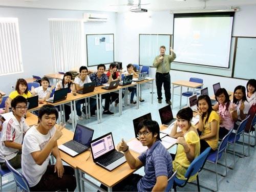 Tại HTT sinh viên CNTT được học tập theo chương trình chuẩn quốc tế