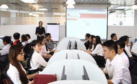 Tại sao bạn nên chọn học Quản trị kinh doanh tại trường Cao đẳng Công nghệ và Thương mại Hà Nội ?