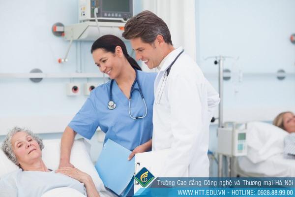Mức lương ngành Y sĩ đa khoa trong khoảng từ 6-10 triệu đồng/tháng