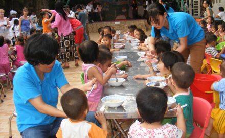 Những mô hình trung tâm cung cấp dịch vụ công tác xã hội chăm sóc đối tượng tại cộng đồng
