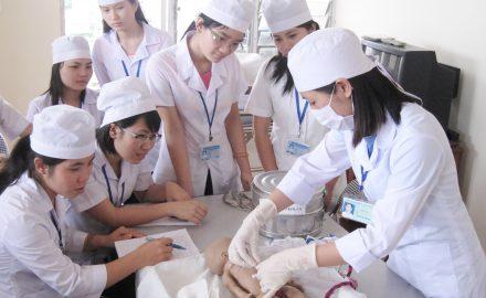 Ngành điều dưỡng cao đẳng học gì ?