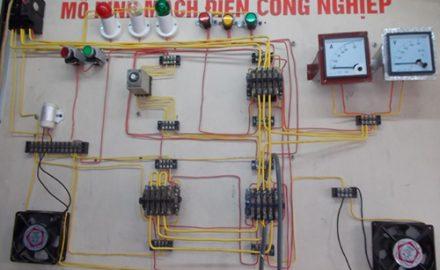 Vì sao nên lựa chọn học ngành điện ? triển vọng ngành điện ?