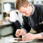 Các vị trí ngành quản trị chế biến món ăn có thể đảm nhận trong gian bếp của khách sạn 5 sao