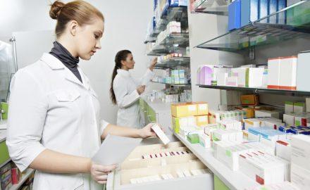 Cao đẳng dược và cao đẳng điều dưỡng – Nên học ngành nào ?
