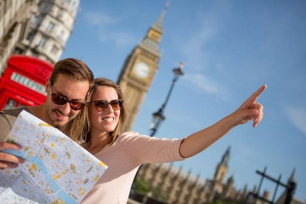 Ngoại ngữ là điểm mạnh giúp nghề hướng dẫn viên du lịch thành công hơn