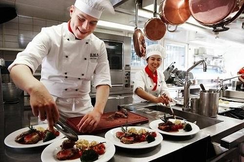 Ngành quản trị chế biến món ăn nhu cầu việc làm lớn và đem lại thu nhập lớn cho sinh viên