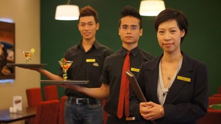 Sinh viên quản trị kinh doanh khách sạn tại HTT được học tập và thực hành tại các khách sạn lớn