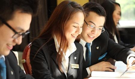 Sinh viên ngành quản trị kinh doanh khách sạn học tập tại HTT có nhiều cơ hội việc làm