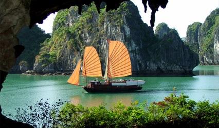 Nước ta được đánh giá rất cao về tiềm năng du lịch, nhất là các thắng cảnh tự nhiên
