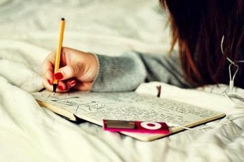 Rèn luyện kỹ năng viết hàng ngày sẽ cải thiện rất nhiều cho khả năng làm bài thi của bạn