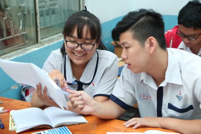 Lần đầu dự thi giáo dục công dân tại kỳ thi THPT quốc gia 2017 nên thí sinh không tránh khỏi lo lắng