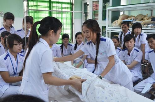 Học điều dưỡng tại Hà Nội