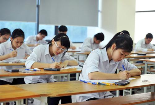 Đừng vội vàng làm bài ngay khi vừa cầm đề thi
