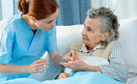 Du học ngành Điều dưỡng tại Đức: Tại sao nên và không nên ?