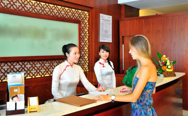 Tâm lý khách du lịch người Mỹ mà nhân viên lễ tân nhà hàng - khách sạn cần biết
