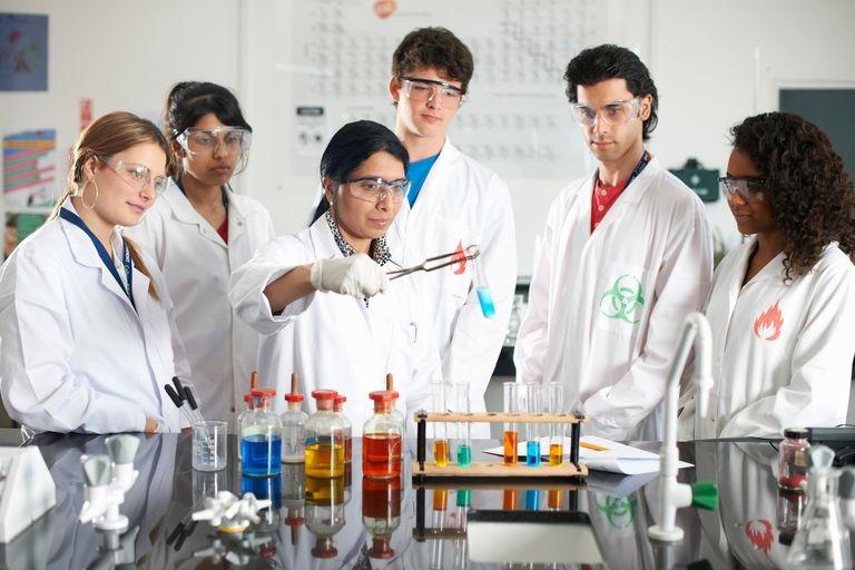 Việc ôn thi thpt quốc gia môn hóa học sẽ dễ dàng hơn nếu như chúng ta học theo các chuyên đề