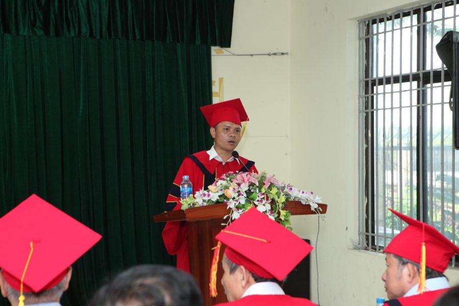 TS. Nguyễn Xuân Sang - Hiệu trưởng nhà trường phát biểu tại buổi lễ