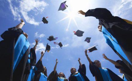 Lễ bế giảng và trao bằng tốt nghiệp đợt 2 cho sinh viên Khóa 8 (2015 – 2018)