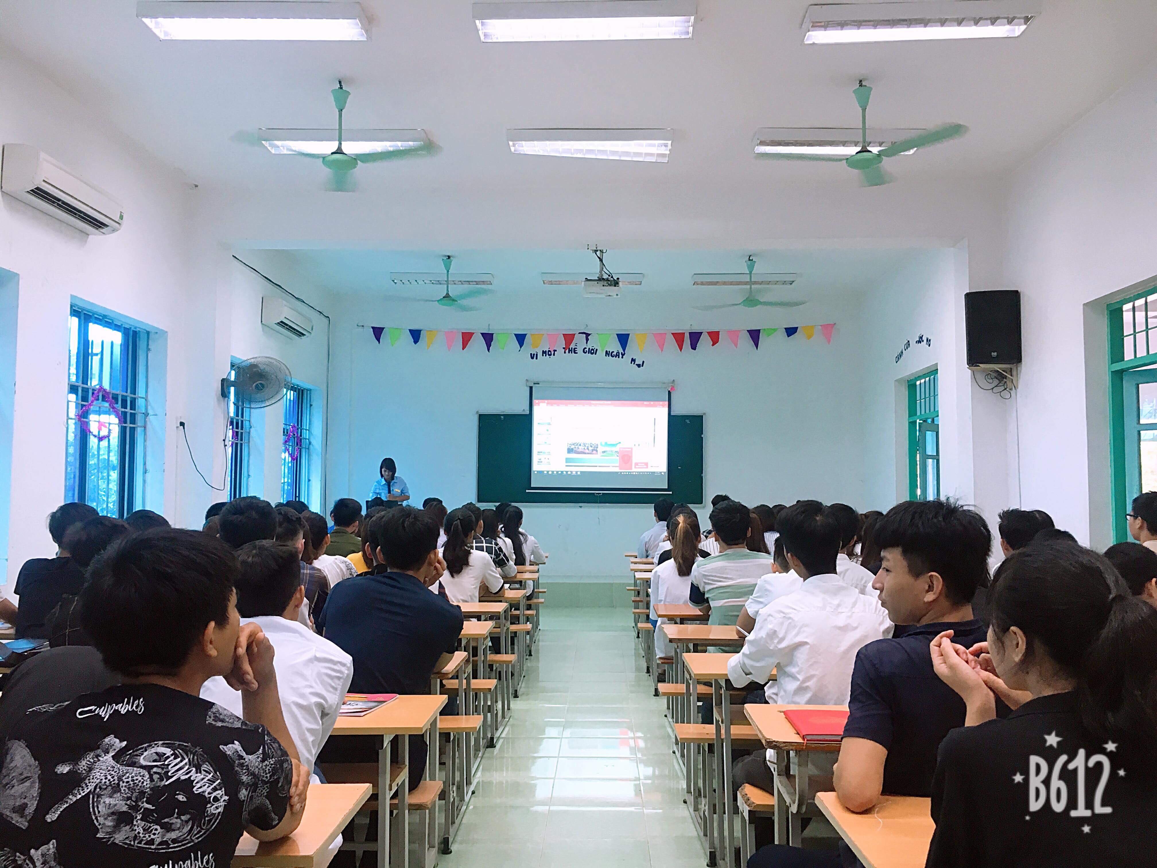 lop-dau-khoa-1-htt.edu.vn