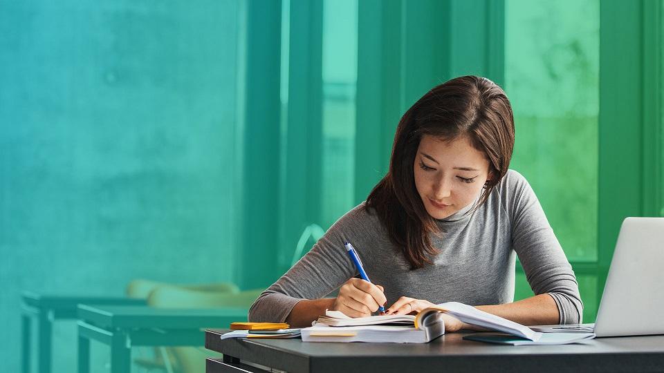 Cơ hội nghề nghiệp luôn rộng mở đối với sinh viên tài chính ngân hàng tại HTT