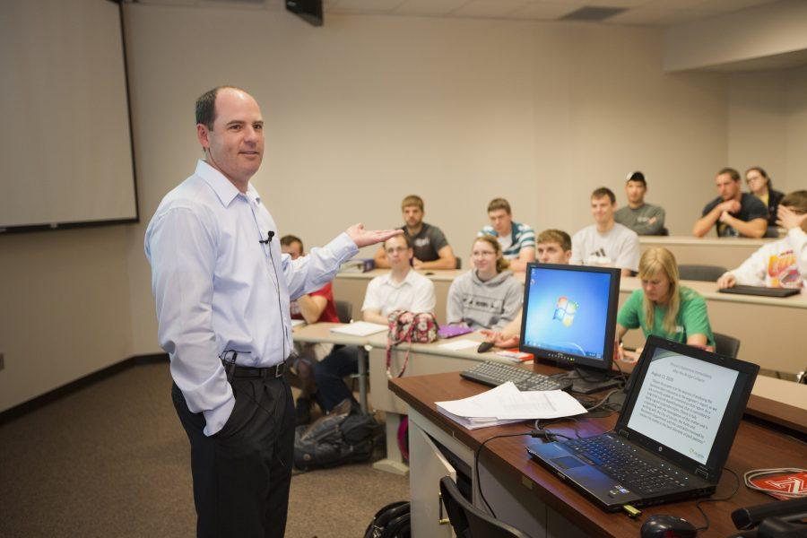 Học cao đẳng công nghệ thông tin bạn có cơ hội làm việc trong môi trường chuyên nghiệp