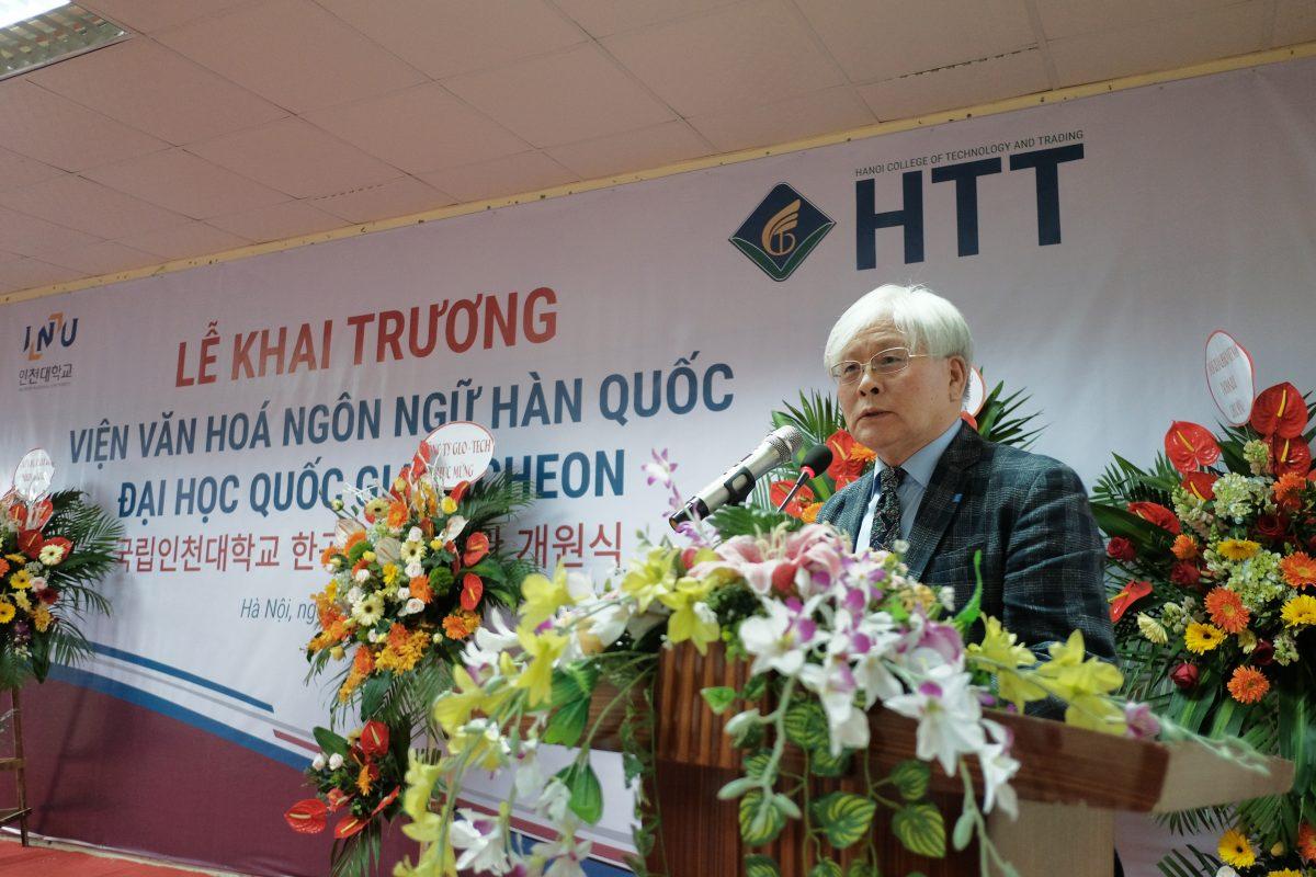 Ngài Lee Sang Joon - Viện trưởng Viện ngôn ngữ quốc tế phát biểu tại buổi lễ