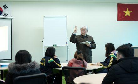 Những hình ảnh về buổi học Tiếng Hàn tại phân viện 5-Viện văn hóa ngôn ngữ Hàn Quốc