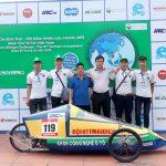 Sinh viên Công nghệ ô tô HTT với cuộc thi lái xe Sinh thái