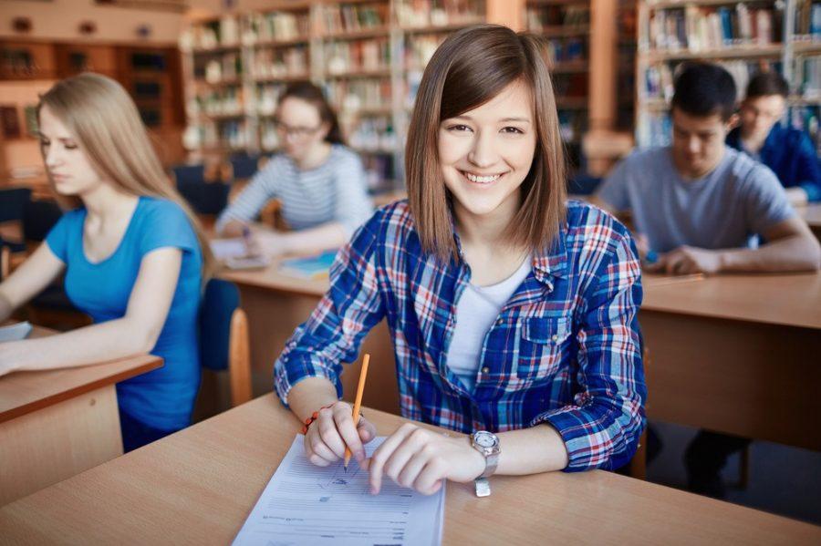 Sinh viên ngành ngôn ngữ tại HTT được đào tạo theo chương trình chuẩn quốc tế