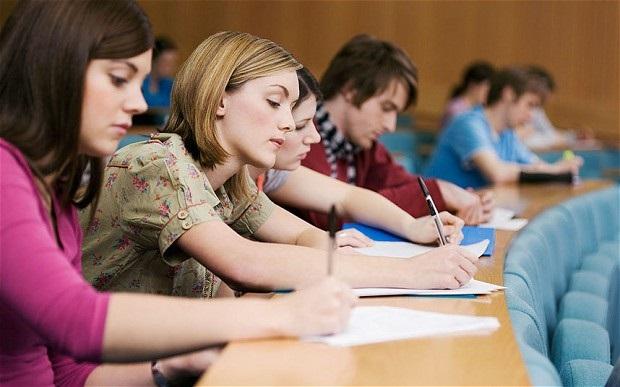 Thí sinh tham gia xét tuyển cao đẳng ngôn ngữ Anh có thể đăng ký bằng điểm thi THPT quốc gia 2019 hoặc theo điểm học bạ THPT