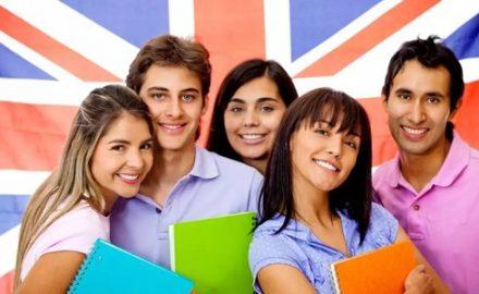 Xét tuyển cao đẳng ngôn ngữ Anh những môn nào?