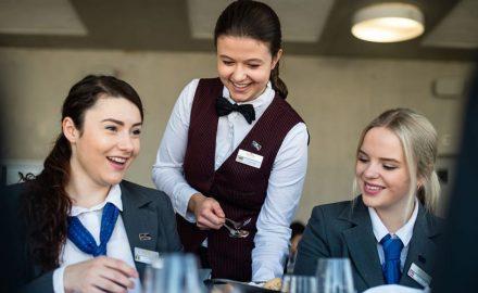 6 yêu cầu sinh viên cần có khi học ngành Quản trị khách sạn