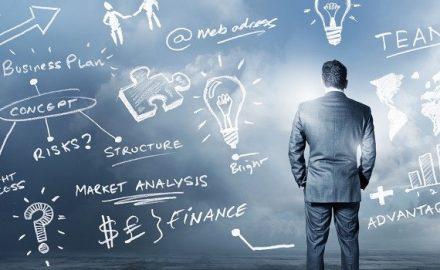 Cơ hội và thách thức cho các tân cử nhân ngành Quản trị kinh doanh