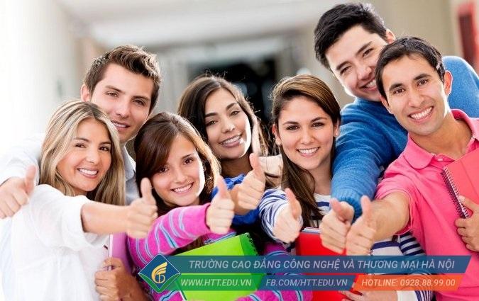 Học cao đẳng ngôn ngữ Anh giúp bạn tự tin ứng tuyển vào nhiều vị trí việc làm với mức thu nhập hấp dẫn