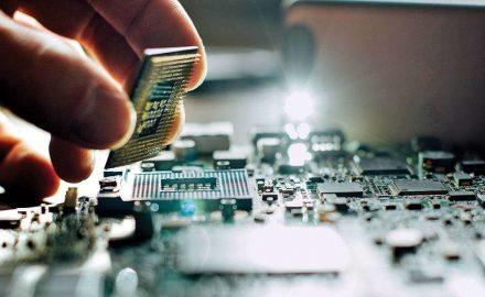 Học cao đẳng Điện công nghiệp nắm bắt cơ hội nghề nghiệp
