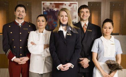 Ngành quản trị khách sạn yêu cầu những tiêu chuẩn nào ?