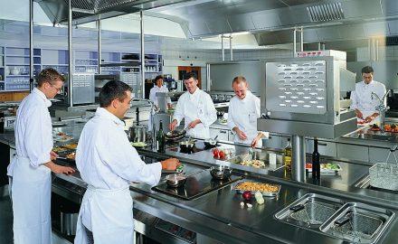 Nghề bếp nên làm việc ở nhà hàng hay khách sạn ?