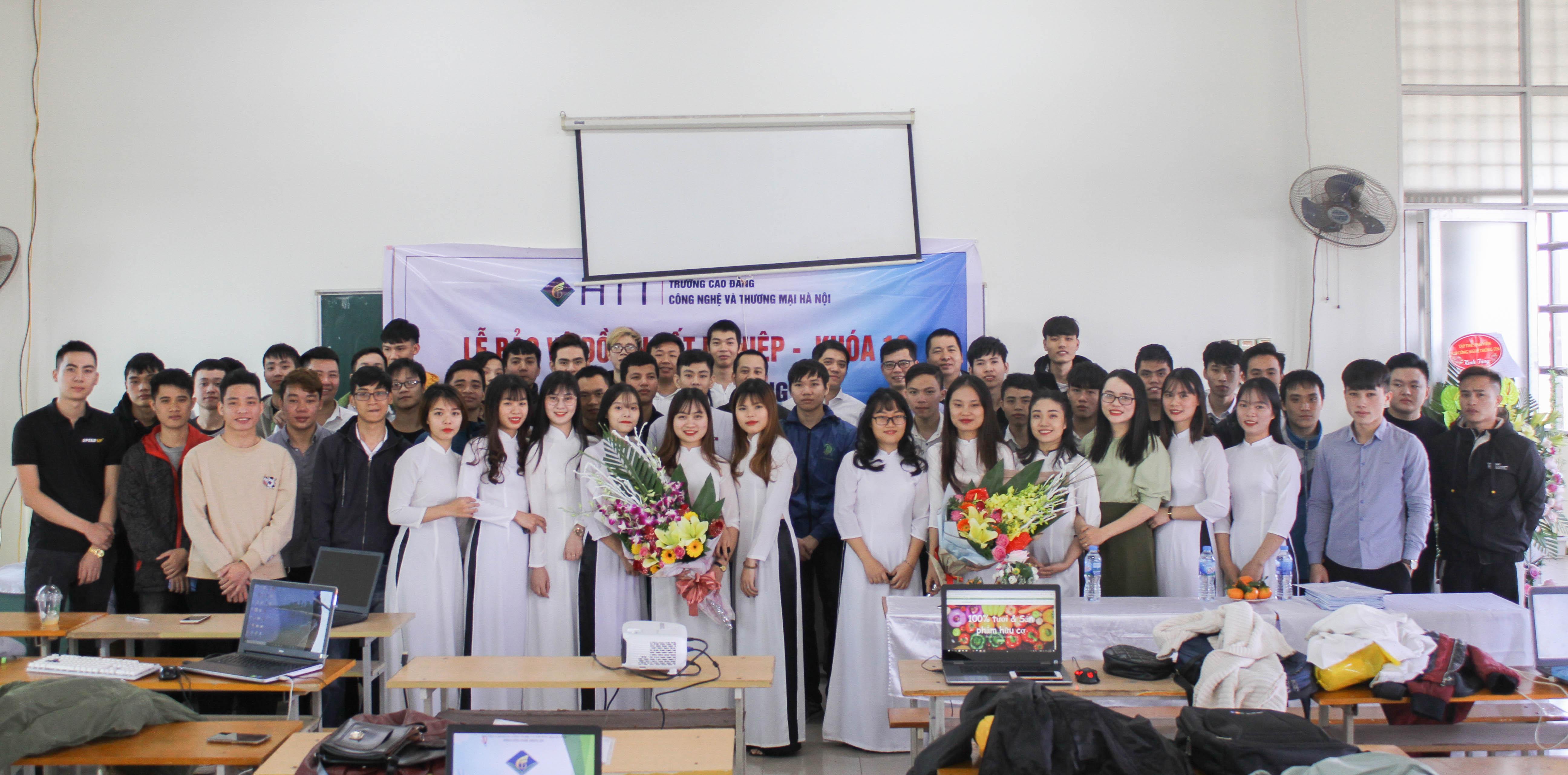 Lễ bảo vệ đồ án tốt nghiệp Khoa Công nghệ thông tin - Khóa 10