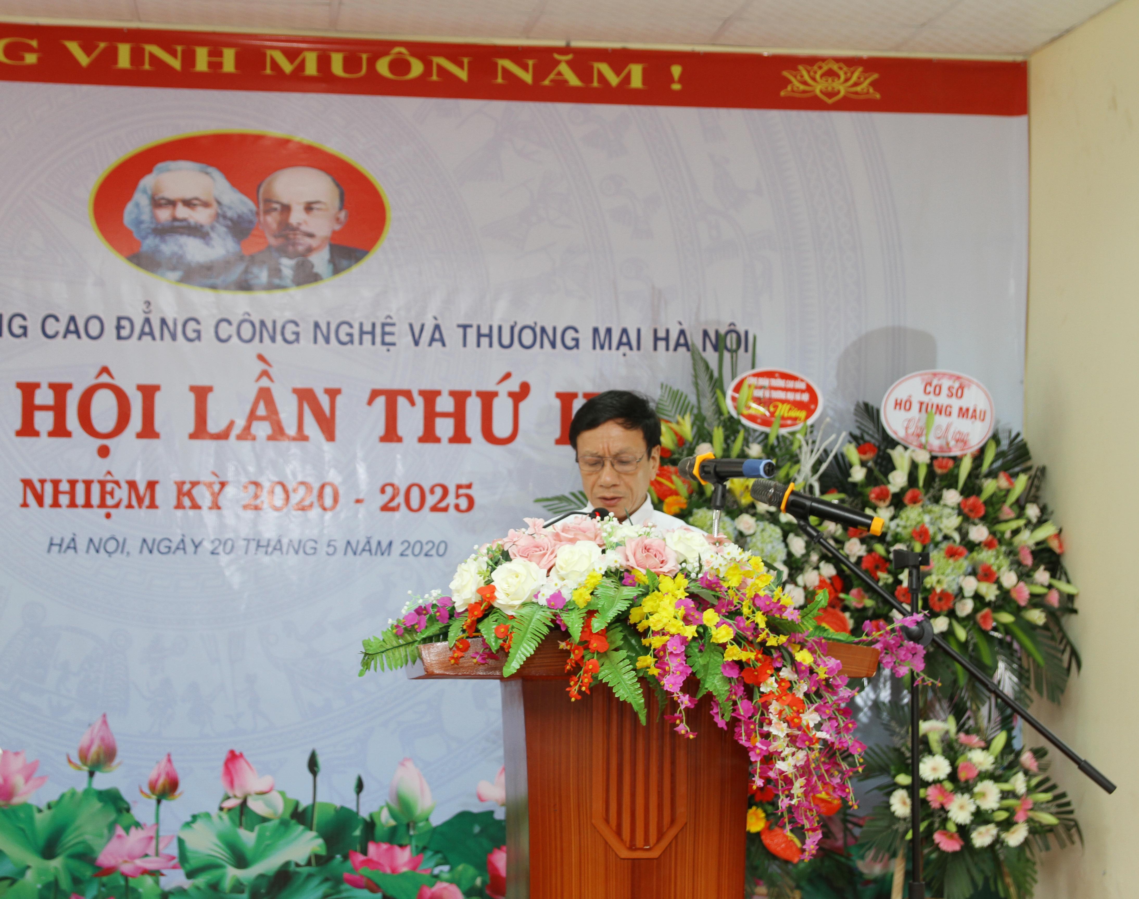 Đ/c Đặng Văn Hội - Thường vụ Huyện ủy, Trưởng ban dân vận Huyện ủy Đan Phượng phát biểu chỉ đạo tại Đại hội