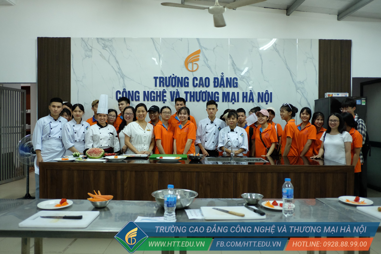 Chương trình trải nghiệm môi trường học tập CĐ-ĐH dành cho HS trường TH-THCS-THPT Chu Văn An