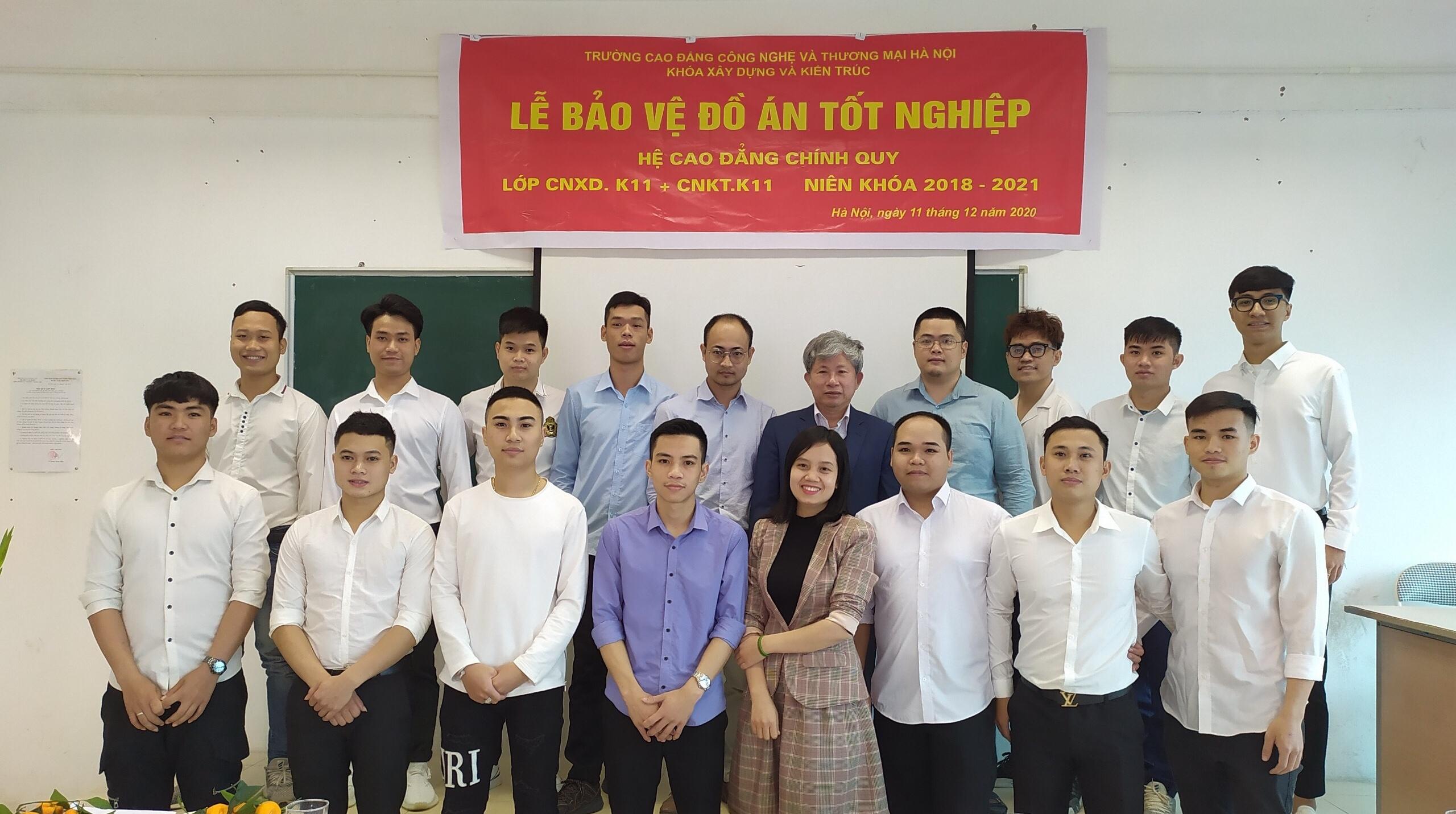 Lễ bảo vệ đồ án tốt nghiệp sinh viên kha Xây dựng và Kiến trúc khóa 11
