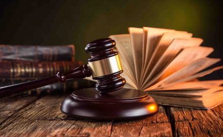 Ngành Luật – Những phẩm chất và kỹ năng cần thiết