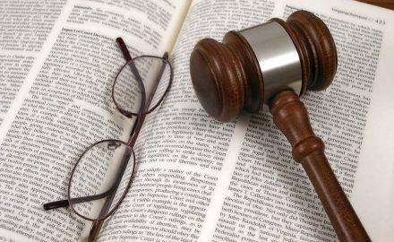 Thực tiễn về thực hiện dịch vụ pháp lý ở Việt Nam
