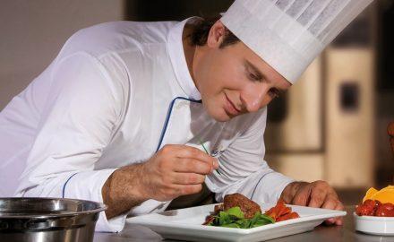 Sinh viên ngành quản trị chế biến món ăn ra trường làm gì ?